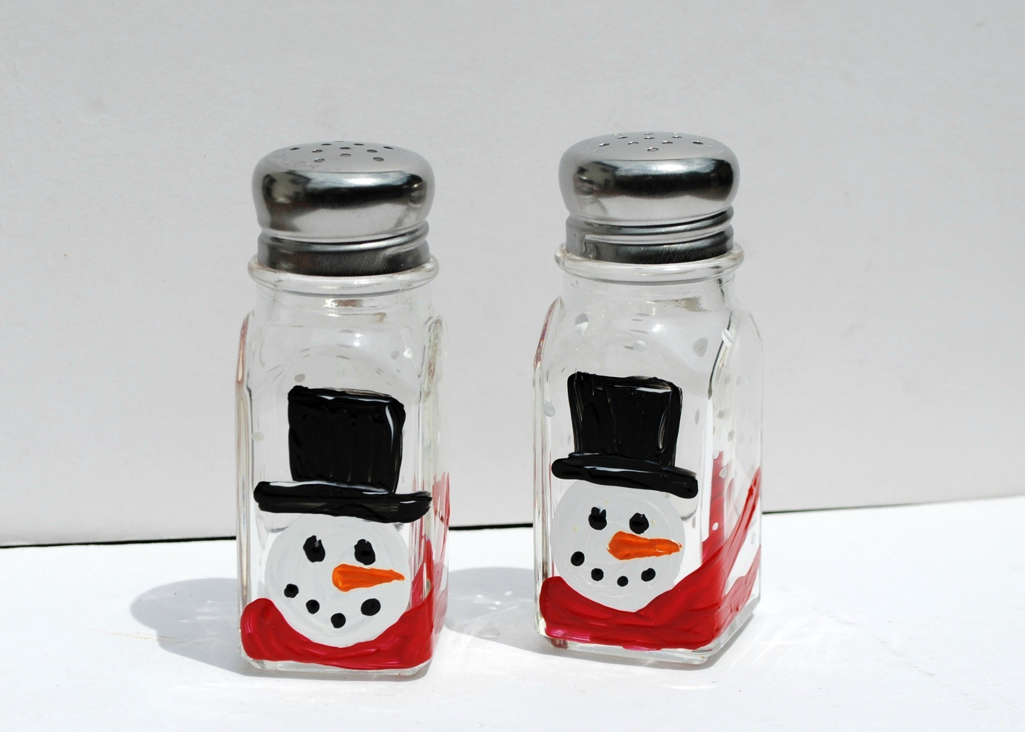 Hand Painted Christmas Top Hat Snowman Salt and Pepper Shakers Set