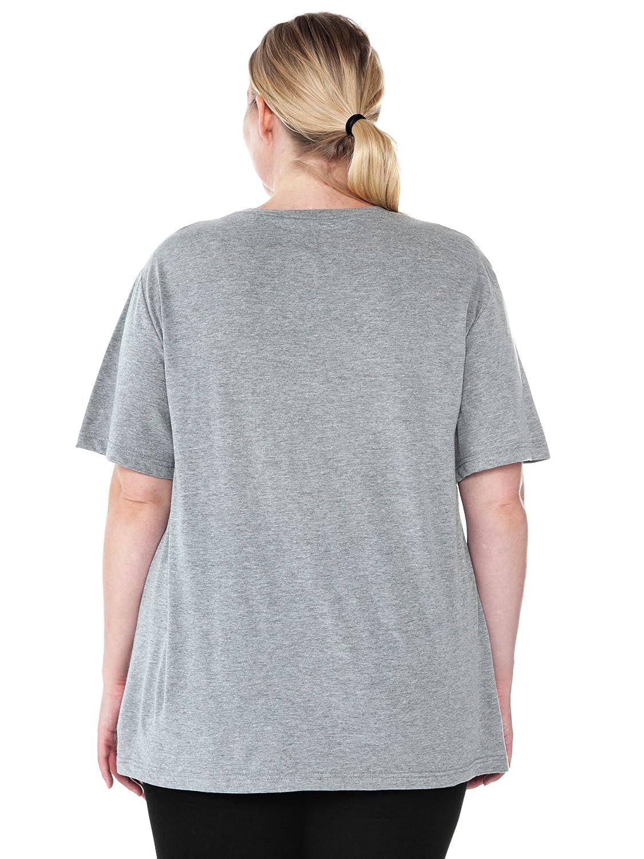 358babe89c2 Amazon.com  Disney Women s Plus Size T-Shirt Mickey Minnie Mouse Donald  Daisy Goofy Pluto  Clothing
