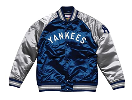 fb1ef2d640f Amazon.com   Mitchell   Ness New York Yankees MLB Tough Season ...