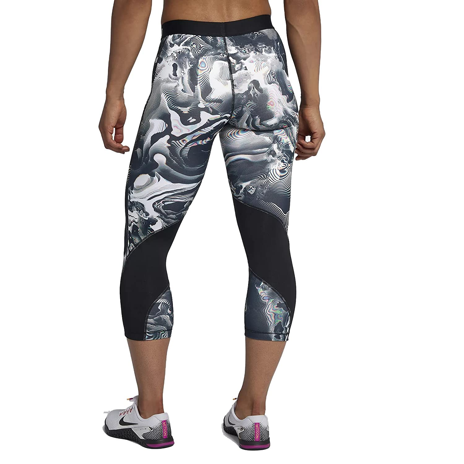 Amazon.com  Nike Pro Women s Printed Capri  Sports   Outdoors afe93aded