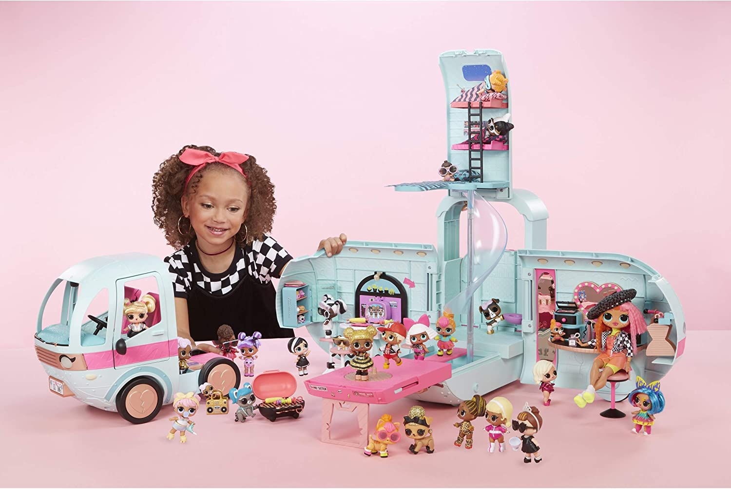 LOL Surprise 4-in-1 Glamper Fashion Camper with 55 Surprises Fully-Furnished wi