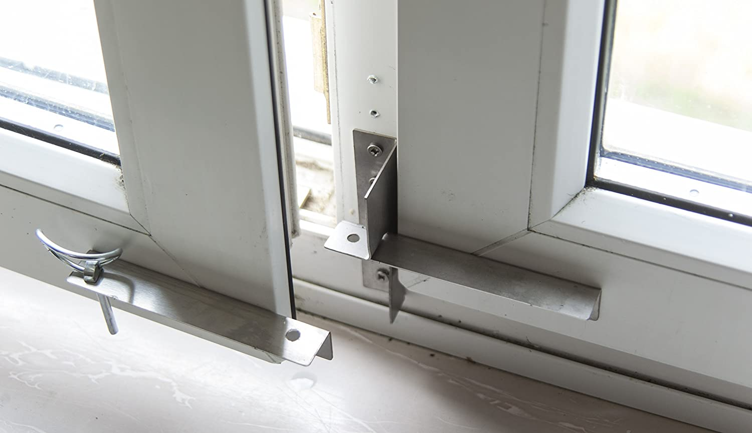 Fenstersicherung f/ür alle handels/üblichen Doppel-Holzfenster und KunststofffensterEinbruchsicherung
