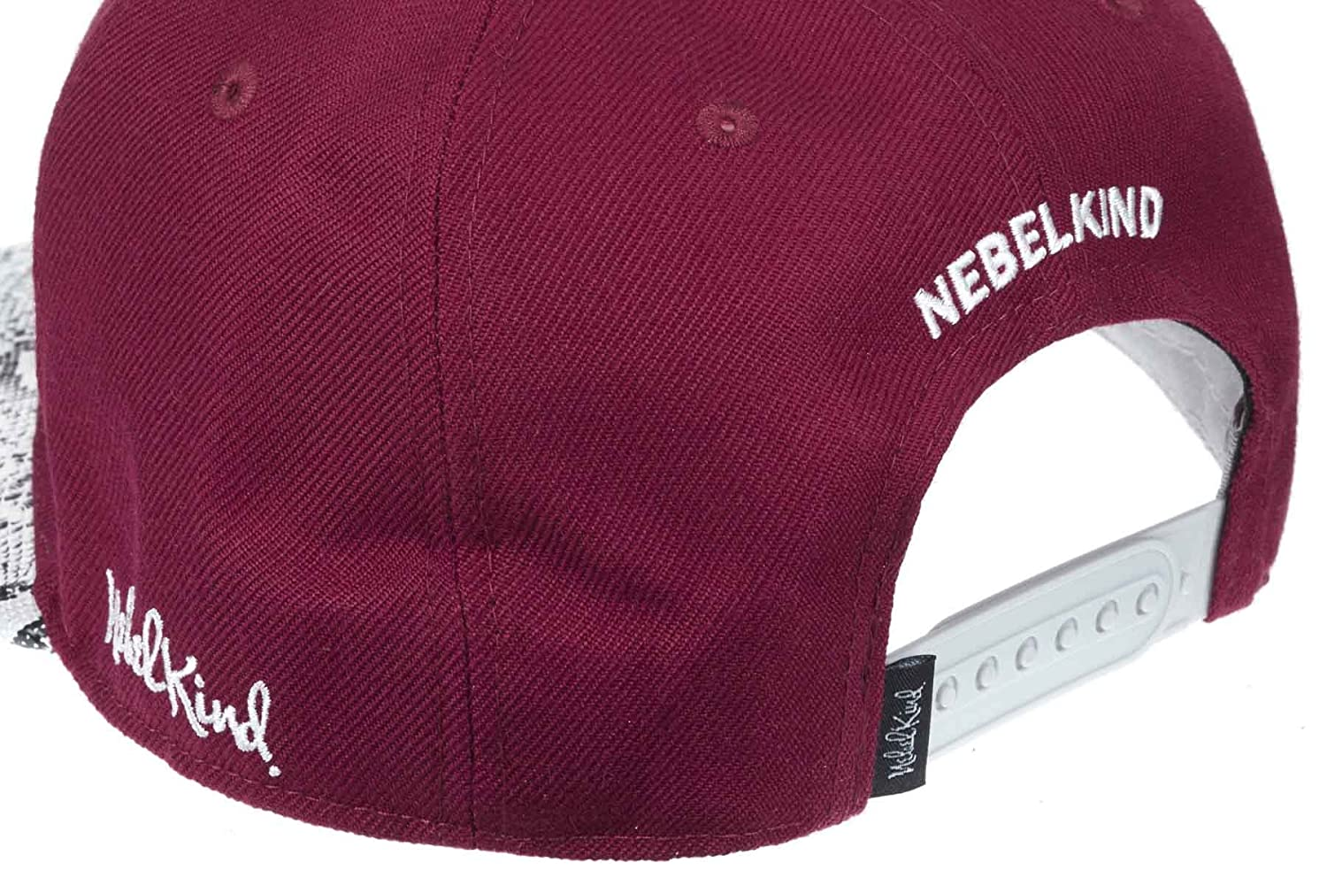 the best attitude fda8c bcb79 Nebelkind Snapback Cap Bordeaux red with Artificial Snake Skin OneSize  Unisex  Amazon.co.uk  Clothing