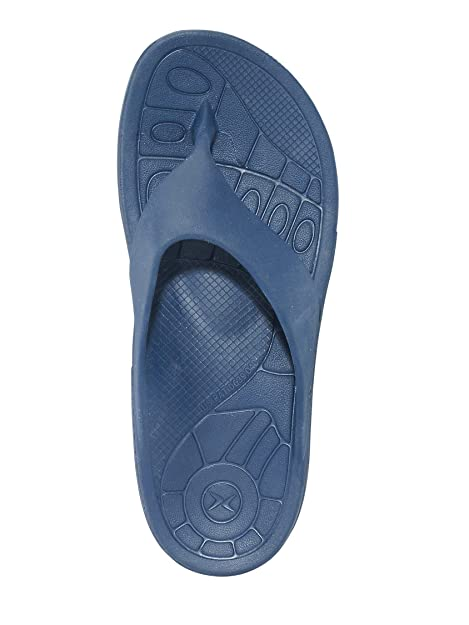 95b1287d5a15 Lynco Navy Flip Sandals by Aetrex (Includes Bonus Plantar Fasciitis Relief  Roller) Mens Size