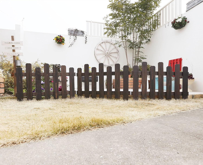 茶色の花壇の柵