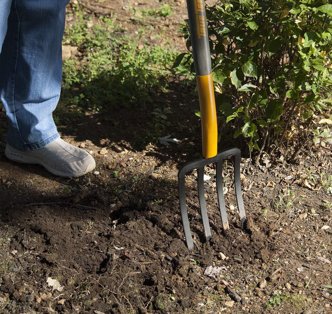 True Temper 2812200 4-Tine Spading Digging Fork with Hardwood D-Grip Handle, 30 Inch, Brown