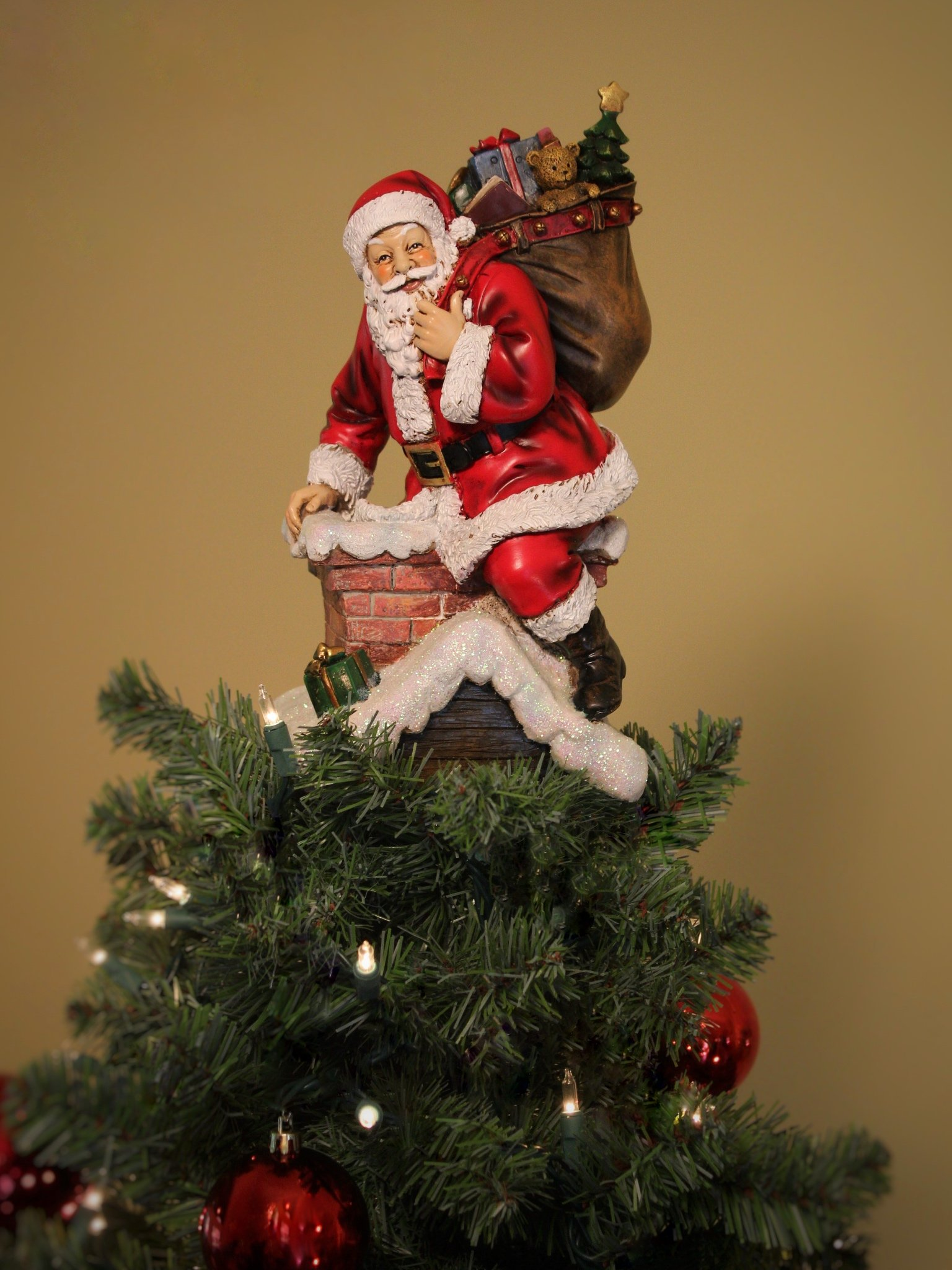Summit Arbor Santa in Chimney Delivering Gifts Christmas Tree Topper