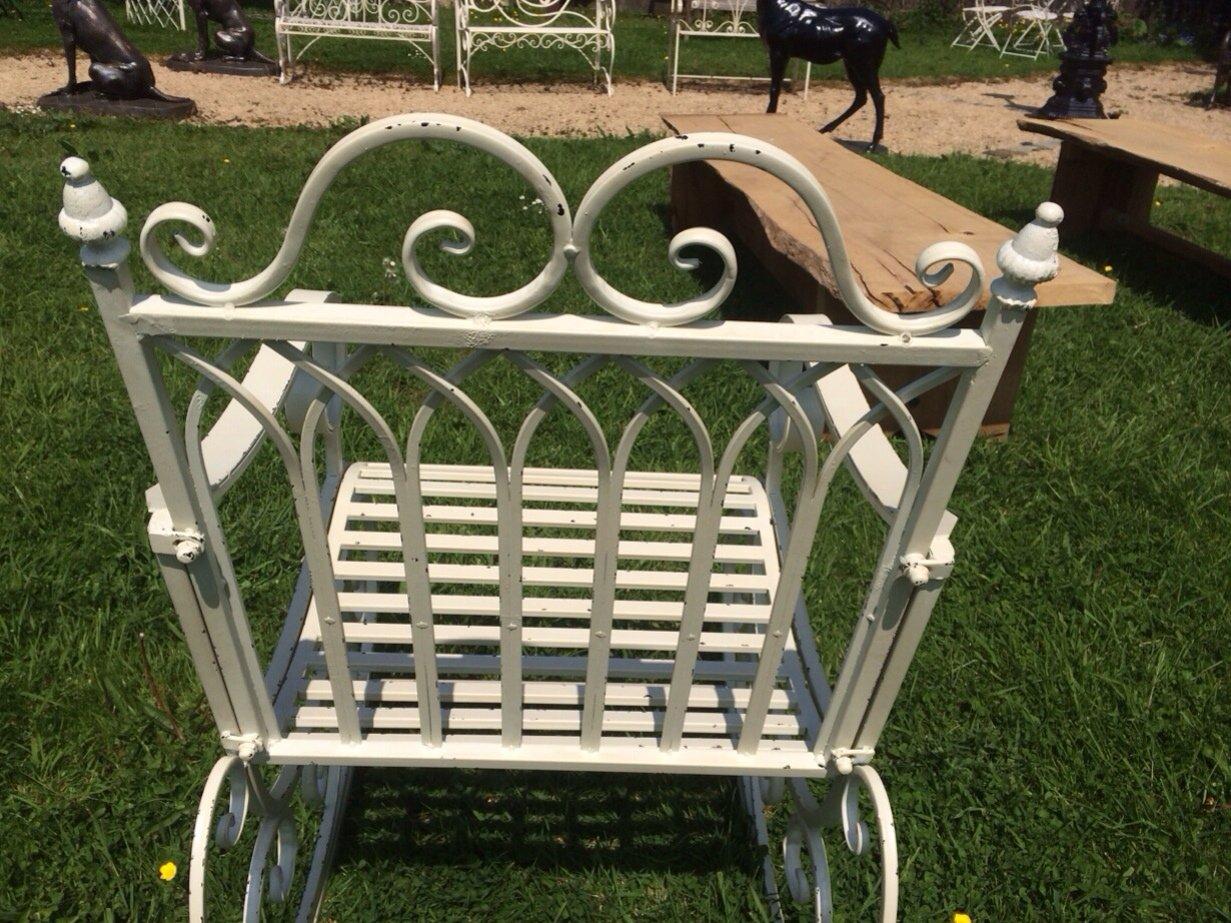 2c611bdc4 Diseño Vintage para acabados metálicos en blanco envejecido Metal silla  mecedora de jardín: Amazon.es: Hogar