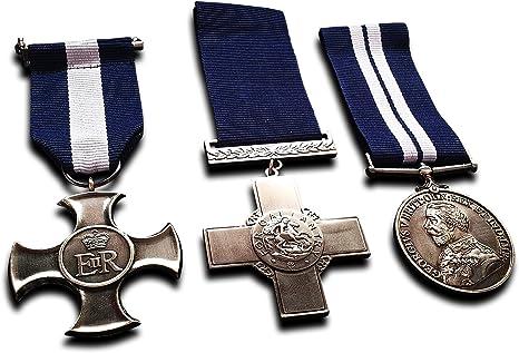 Medallas Militares Grupo de la Medalla Militar Set Cruz de Servicio Distinguido, George Cross & DSM Replica: Amazon.es: Deportes y aire libre