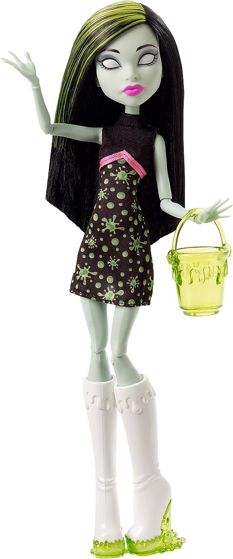 Monster High Ghoul Fair Scarah Screams Doll