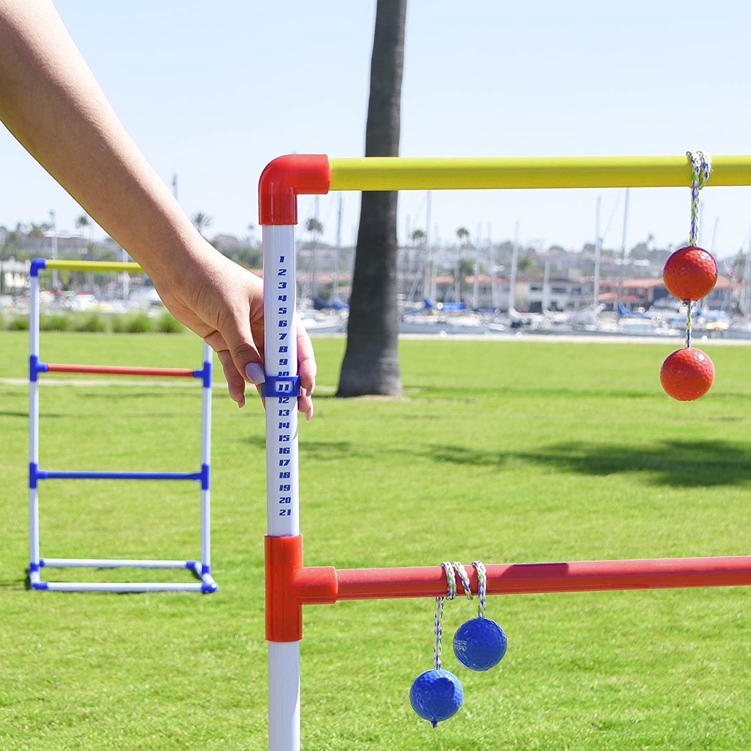 amazon com gosports premium ladder toss game with 6 bolos and