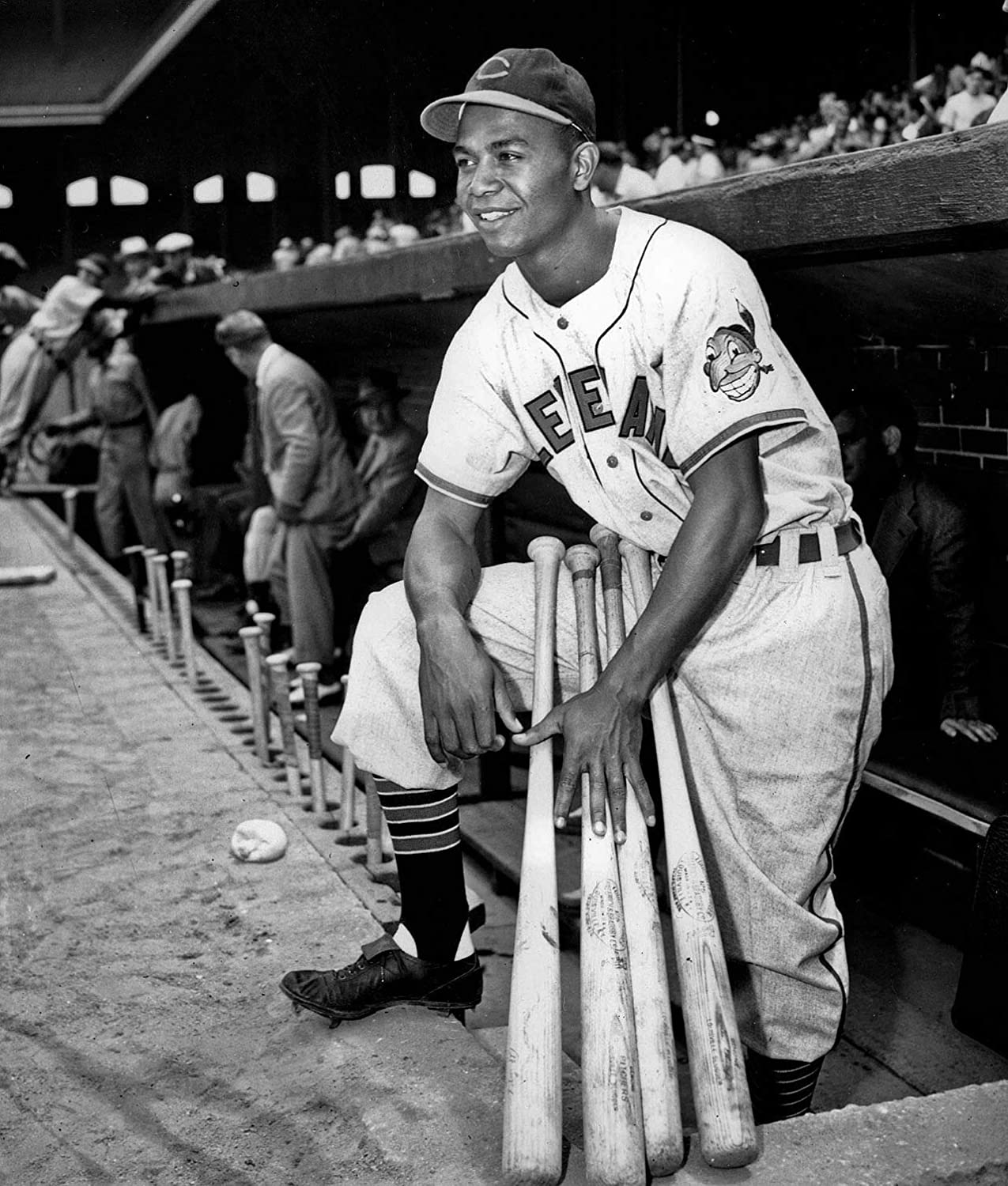 bucraft Larry Doby Looking The Game 8x10 Picture Celebrity Print
