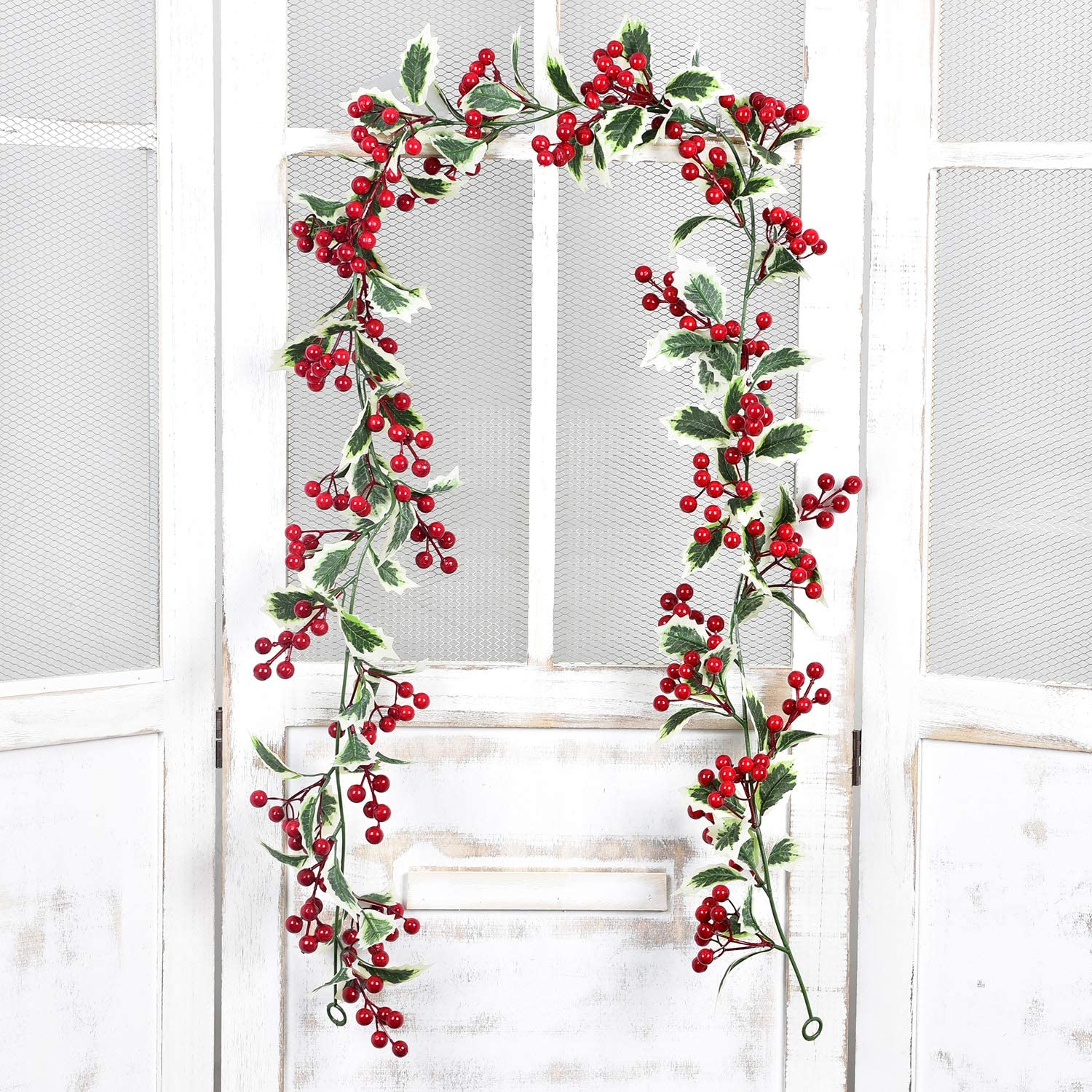 DearHouse 6Ft Red Berry Christmas Garland with Green Leaves, Flexible Artificial Berry Garland for Indoor Outdoor Home Fireplace Decoration for Winter Christmas Holiday New Year Decor