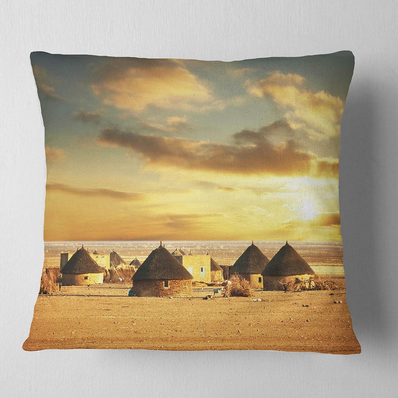 Designart CU12935-26-26美しい村の小屋のアフリカの風景プリントリビングルーム用ソファクッション、26インチ×26インチ、高品質の枕インサート+クッションカバー   B07FQ1G6J5
