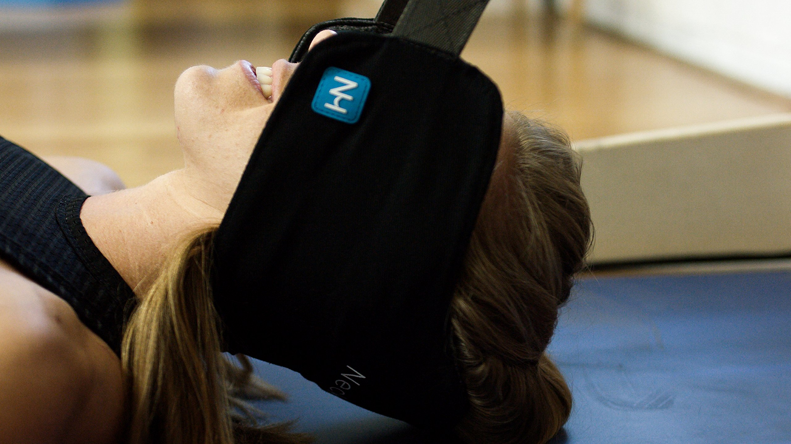The Neck Hammock 2.0 - The Original Portable Cervical Traction and Relaxation Device. Easily Attach to Any Door or Railing for Chronic Neck Pain Relief in 10 Minutes or Less by The Neck Hammock (Image #4)