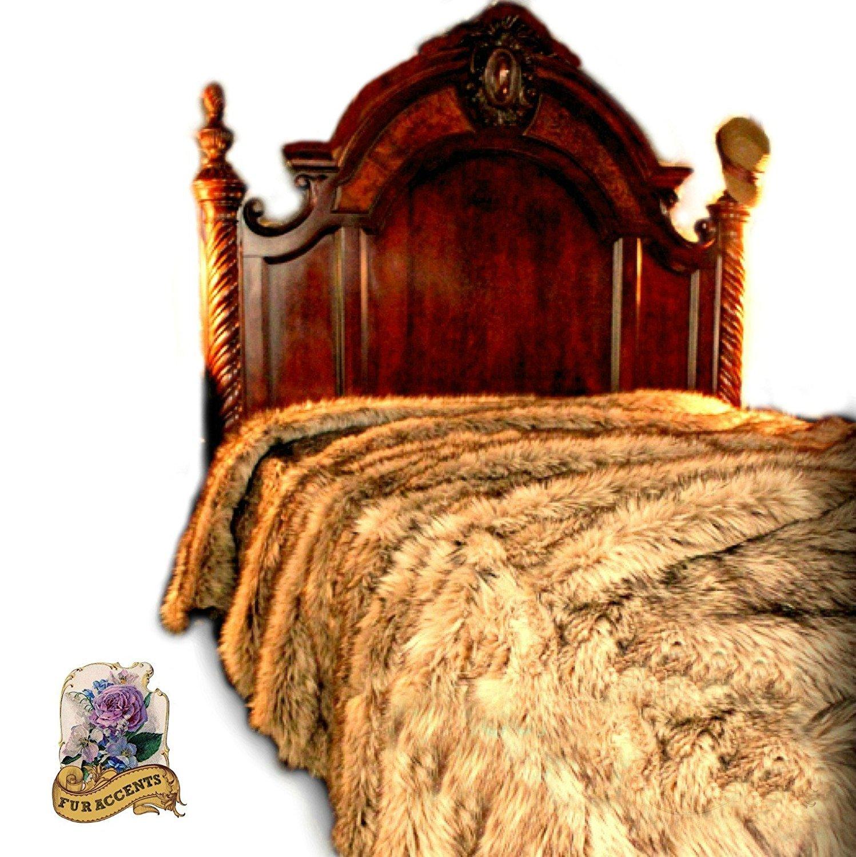 Premium Plush Faux Fur Bedspread / Light Golden Wolf XL King Size / Coyote Bear Skin (Queen 90''x90'')