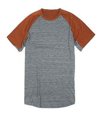 c7a63468057 Amazon.com  American Eagle Men s Active Flex T-Shirt 016  Clothing