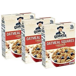 Quaker Cap'n Crunch Breakfast Cereal, Original & Crunch Berries Variety Pack (4 Pack)