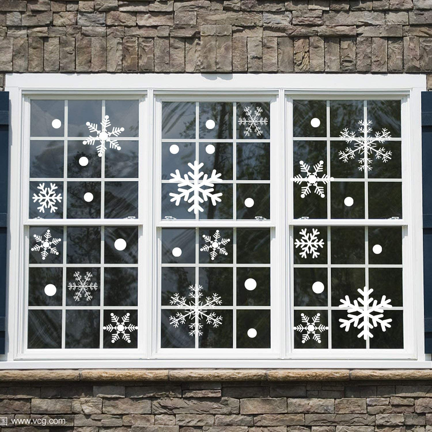 Christmas Decorations Christmas Window Clings Snowflake Decorations Snowflake Window Clings White Snowflake Stickers Ornaments for Christmas Window Decor Supply-150 PCS