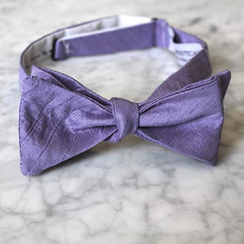 afd6e7aeed4d Amazon.com: Bow Tie in Solid Lavender Purple Silk: Handmade