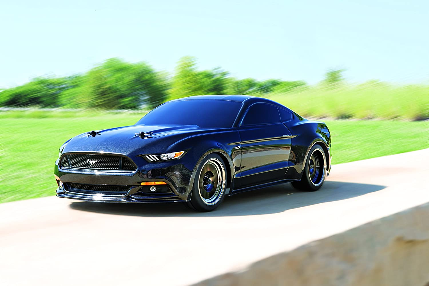 Amazon com traxxas 83044 4 mustang gt race car electric awd ford tq 2 4ghz remote control size 1 10 black toys games