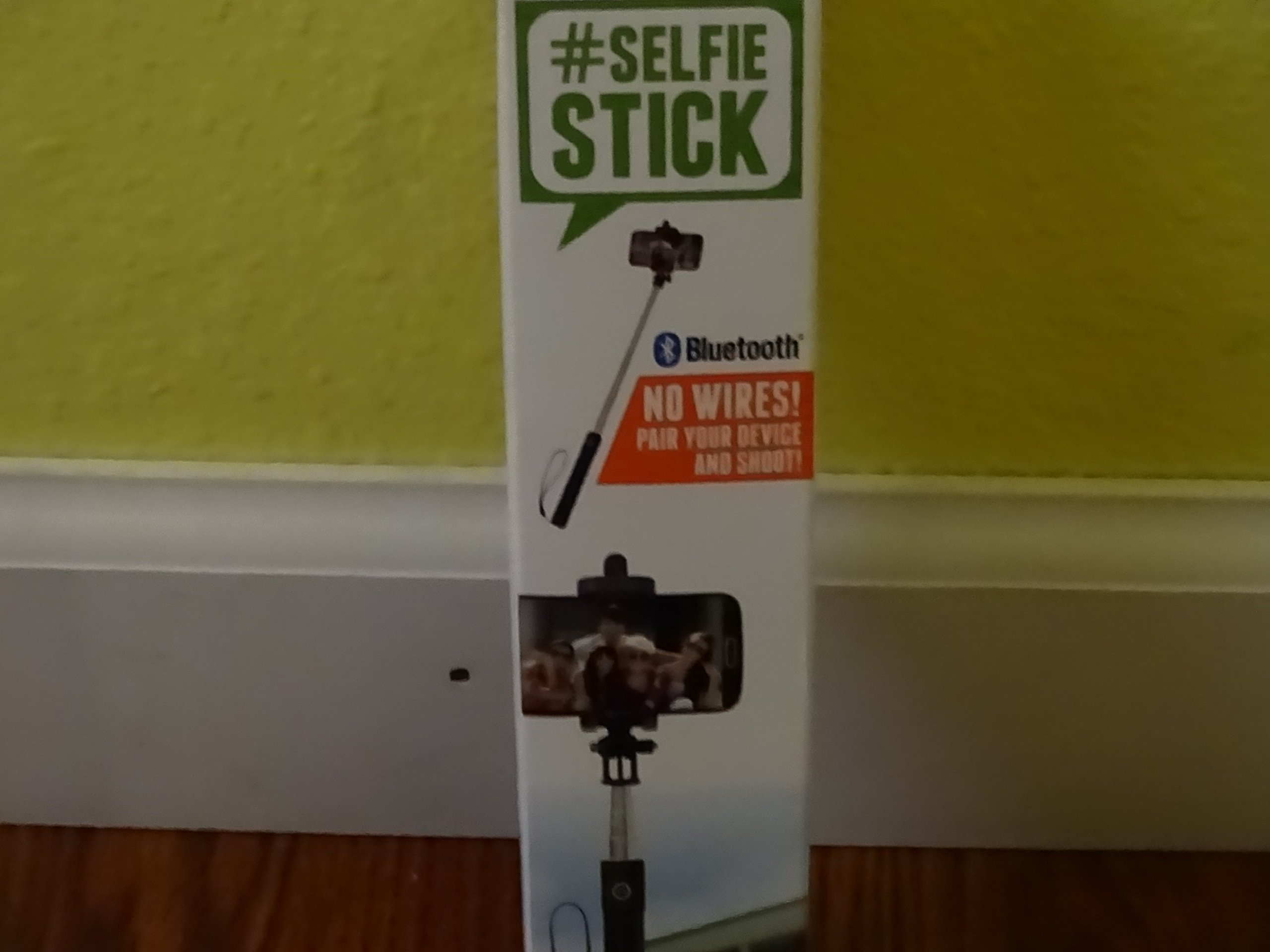 Retrak Retractable Folding Bluetooth Selfie Stick Black ETSELFIEBV
