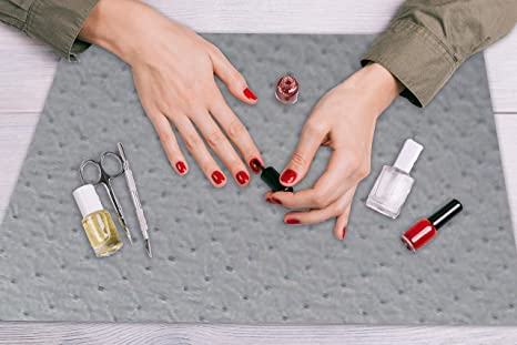 Amazon Com Disposable Manicure Mats Ultra Strength Nail Art Table Mats Absorbent And Leak Proof Backing Ideal For Protecting Countertops Tables And Other Surfaces Cushiony Surface 4 Pack Pm50393 Industrial Scientific