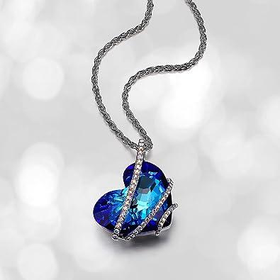 1ecee8779464 Platinum y Fine latón bañado en plata azul cristal de Swarovski Titanic  corazón 28 mm Pave