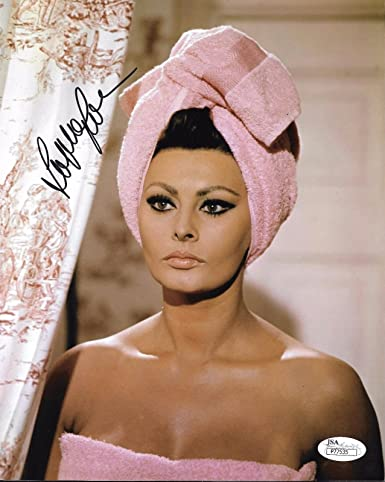 Sophia Loren REAL hand SIGNED early 8x10