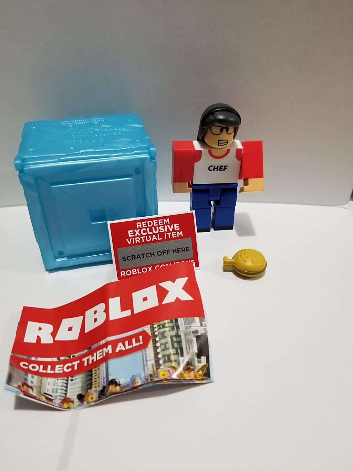 Virtual Item Code 2.5 ROBLOX Series 3 High School Life Lunchlady action Figure mystery box