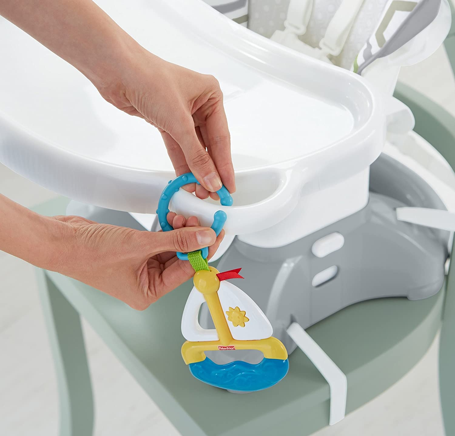 Fisher-Price SpaceSaver High Chair Geo Meadow