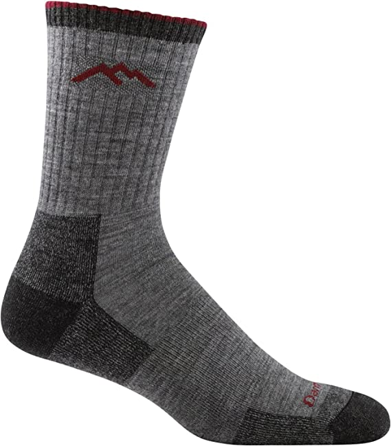 Mens athletic low cut Ankle sock Cats Wearing Santa Hats And Playing With Balls Of Yarn Short Comfort Sock