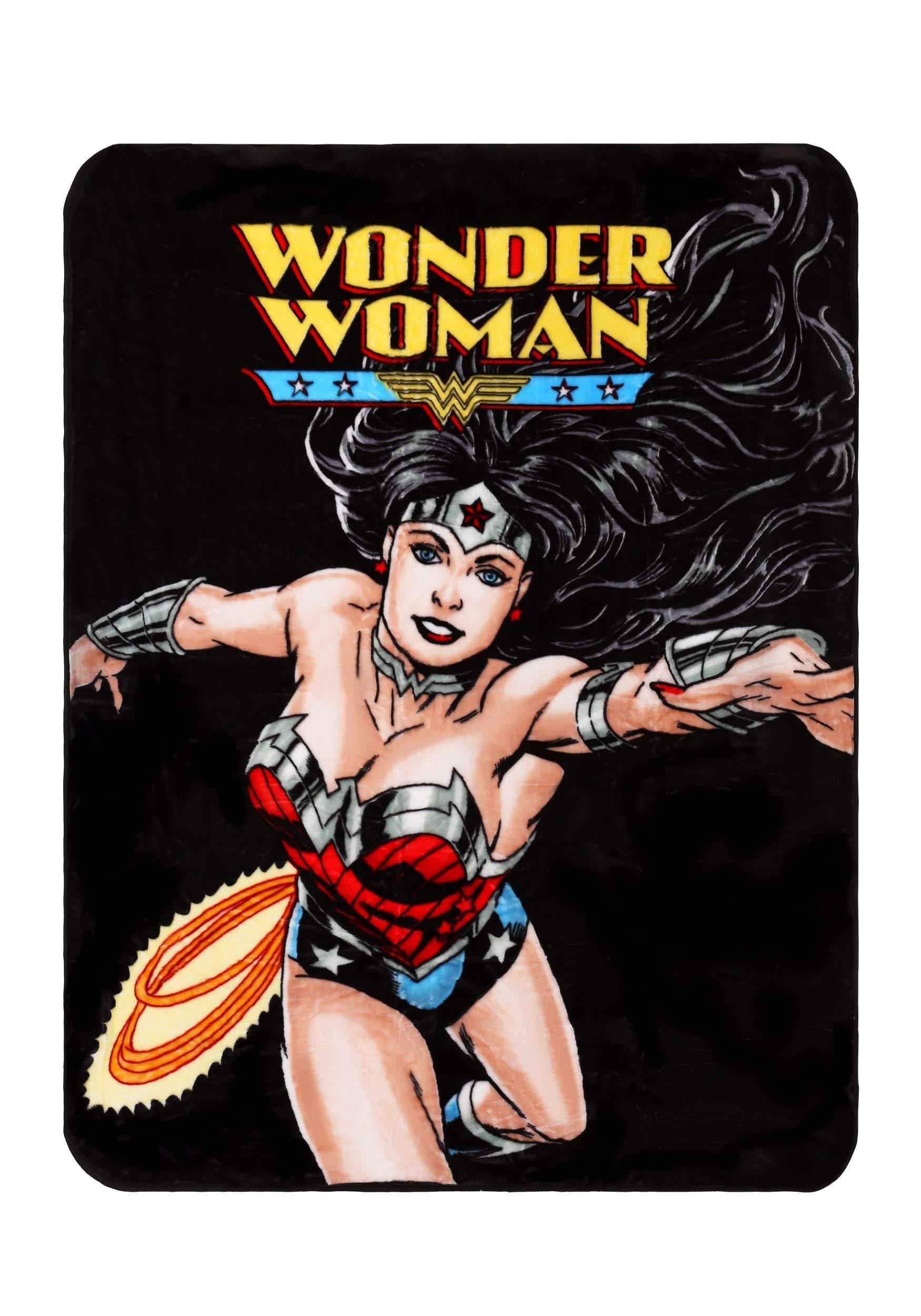 Wonder Woman Flight Blanket Standard by JPI