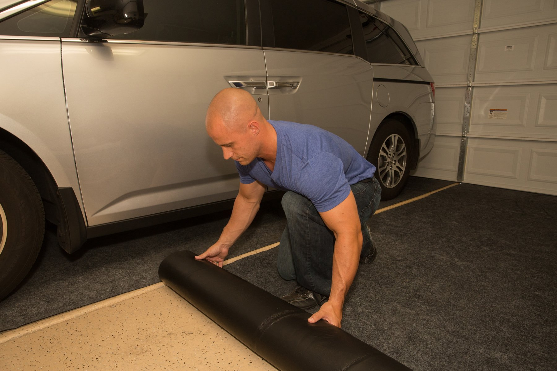Armor All AAGFMC17 Charcoal 17' x 7'4'' Garage Floor Mat by Armor All (Image #3)
