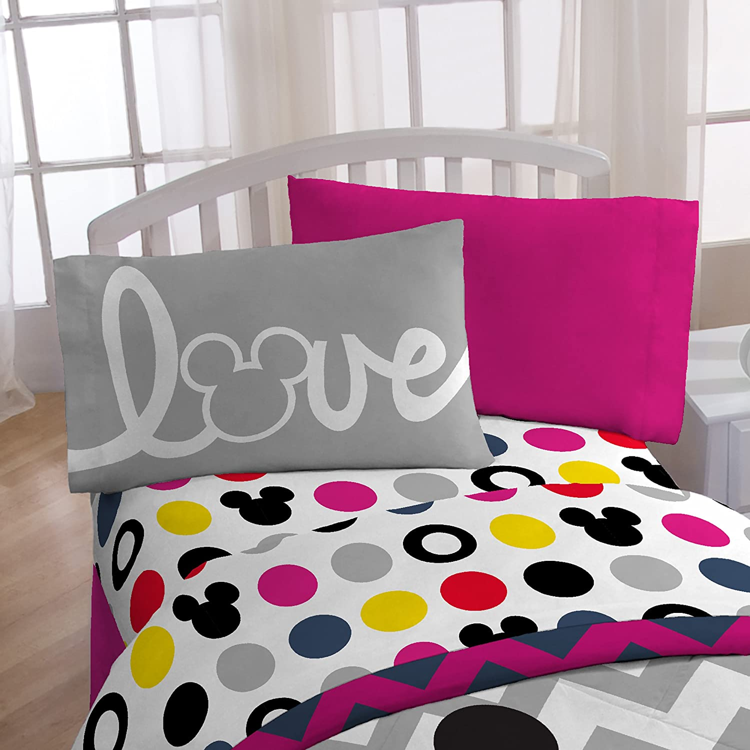 "Disney Mickey Chevron & Dots 39"" x 75"" Twin Sheet Set"