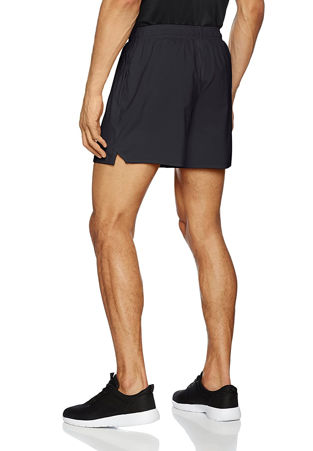SS18 Under Armour Qualifier 15cm Woven Shorts