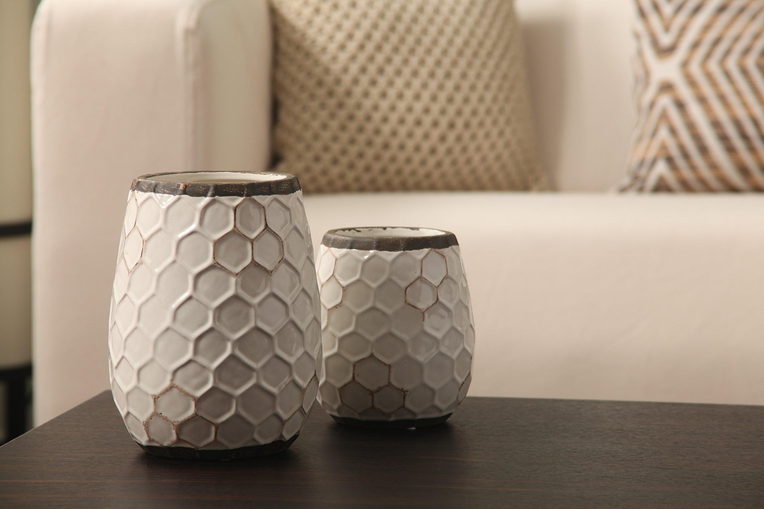 Hosley Ceramic Honeycomb Vase - 7.5'' High. Ideal Gift for Weddings, Spa, Flower Arrangements O6