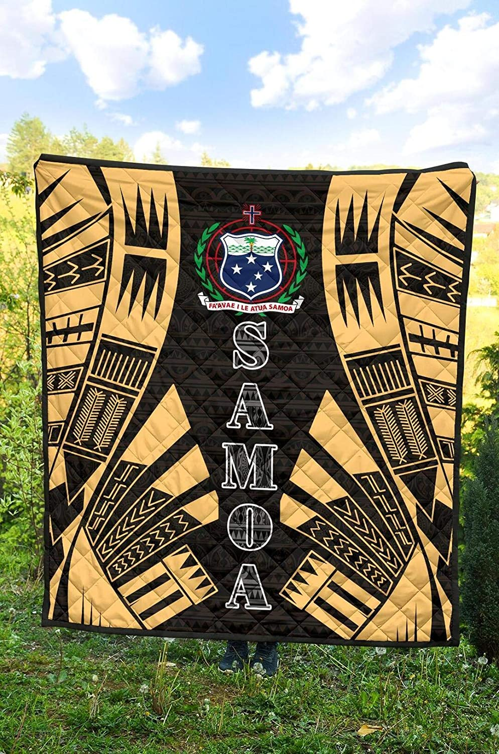 Polynesian Tattoo Gold Quilt King Queen Twin Size Samoa Quilt Birthday Thanksgiving for Dad Mom Husband Wife Kids Son Daughter