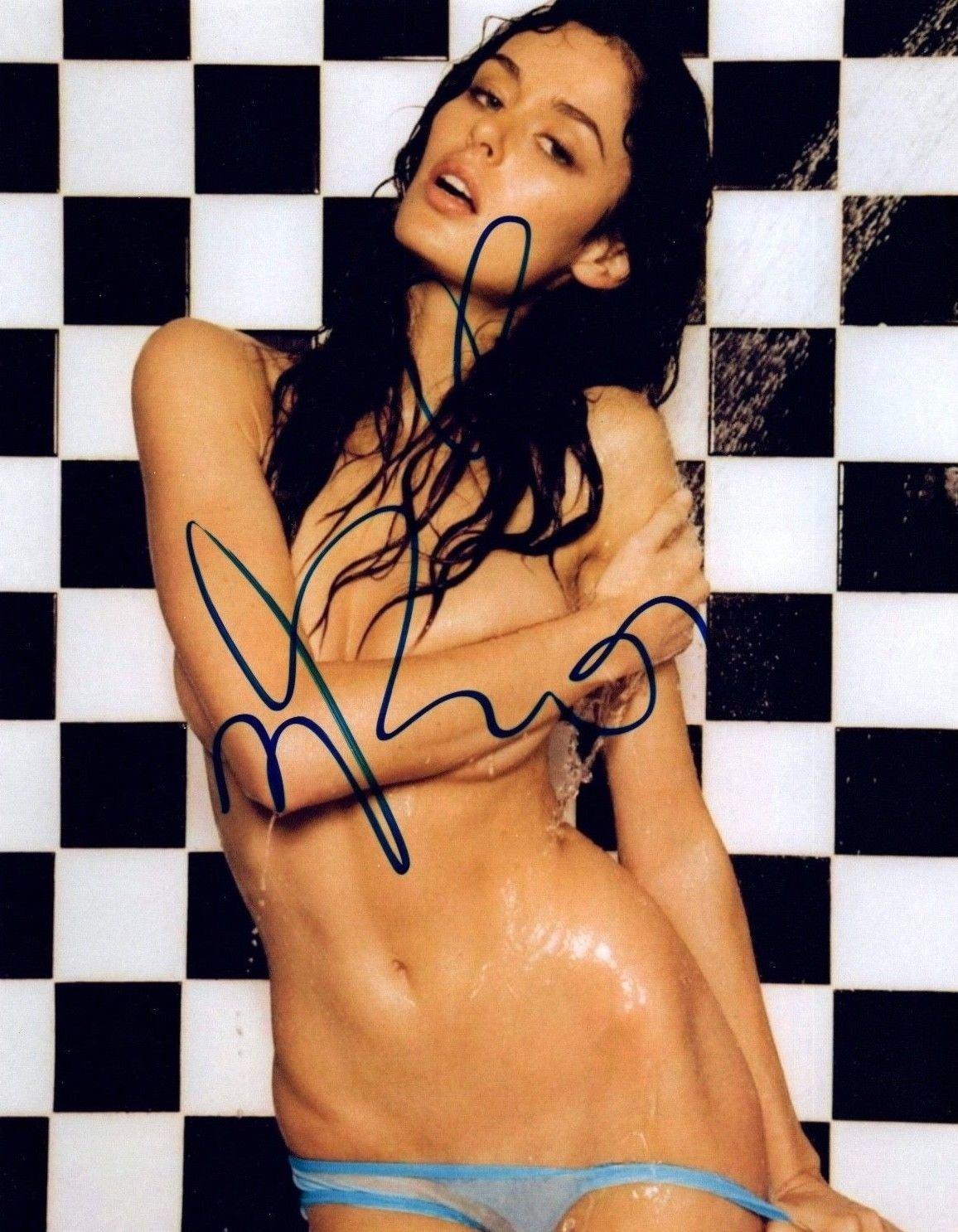 Ashley Greene's Bikini Scene FromStaten Island Summer',Alli simpson XXX fotos CelebGate Kim Kardashian Nude Sexy - 9 Photos,Bella Thorne in Sexy Lingerie, December