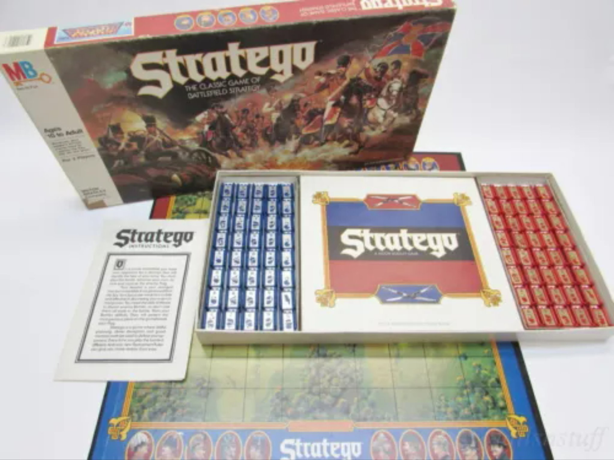 Stratego - The Classic Game of Battlefield Strategy 1986 Edition by Milton Bradley