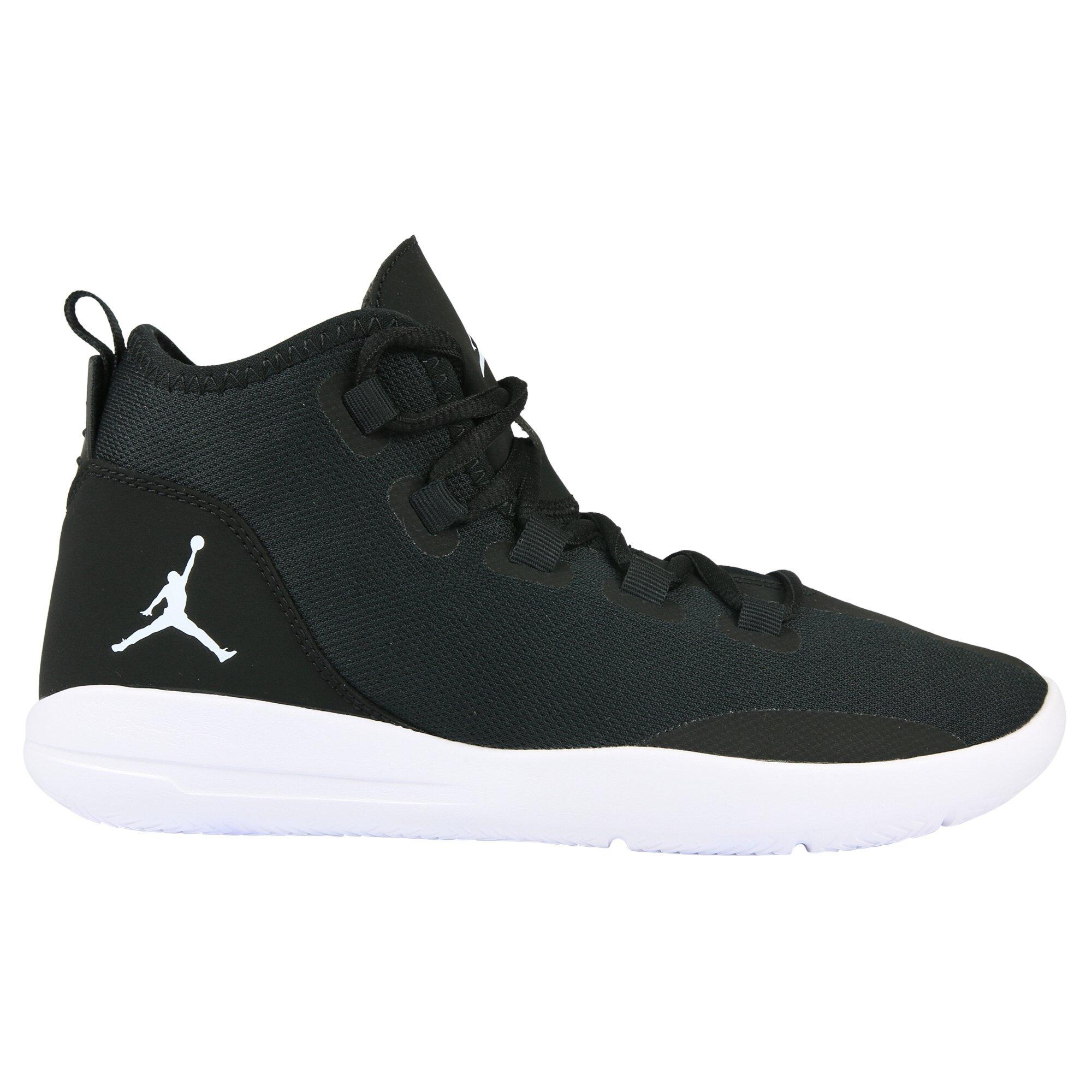 Jordan Child Reveal BG Basketball Shoes (5.5 M Big Kid, Black/White/Noir-Blanc) by Jordan