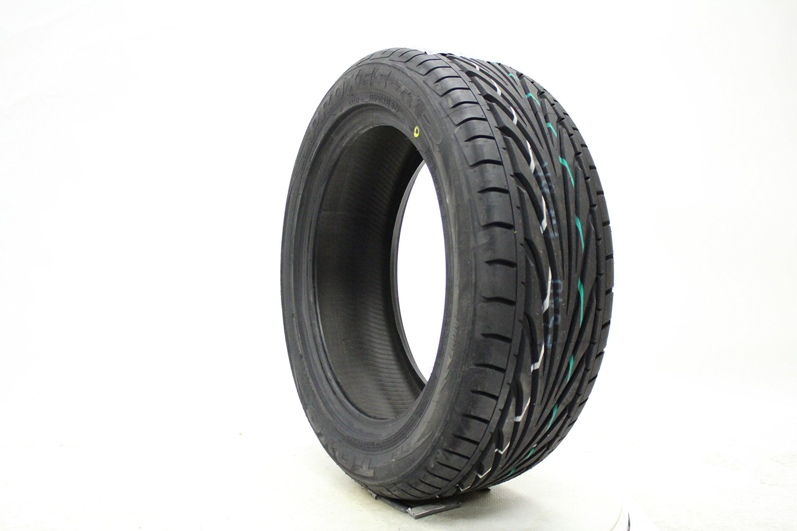 Toyo 250760 PROXES T1R Performance Radial Tire - 195/45R15 78V