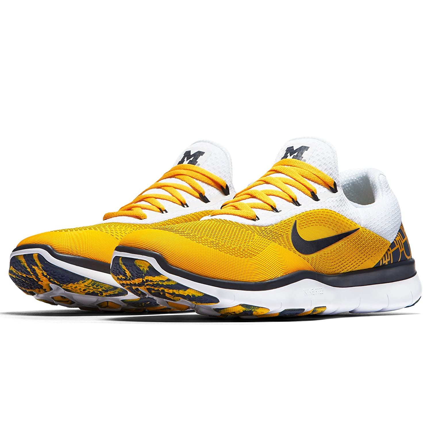c63de55276b58 Amazon.com  Nike Michigan Wolverines Free Trainer V7 Week Zero College Shoes  - Size Men s 9 M US  Clothing