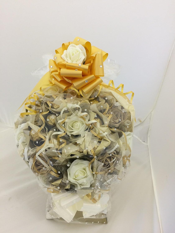 Ramo de flores con bombones Ferrero Rocher color marfil y dorado 10 bombones