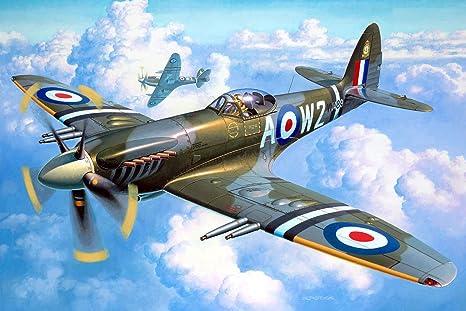 Amazon.com: Revell 04704, Supermarine Spitfire Mk. 22/24 ...