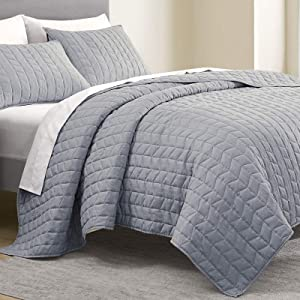 SHALALA NEW YORK Brushed Microfiber Flannel Quilt Set - Velvety Soft Heathered Chambray Design Bedspread - Lightweight Comforter Set - Geometric Pattern Coverlet All Season Use (Blue Grey, King)
