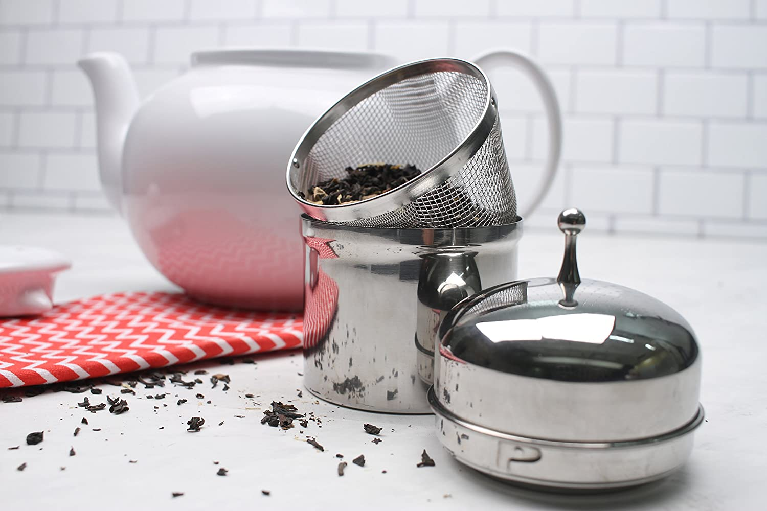 1//2-Cup capacity RSVP Endurance Stainless Steel Floating Spice Ball Infuser