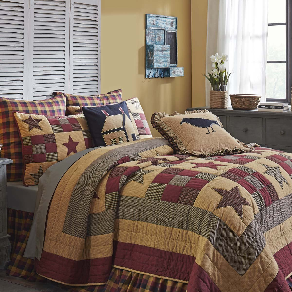 Amazon.com: VHC Brands Hazelwood Quilt Set, Queen: Home & Kitchen