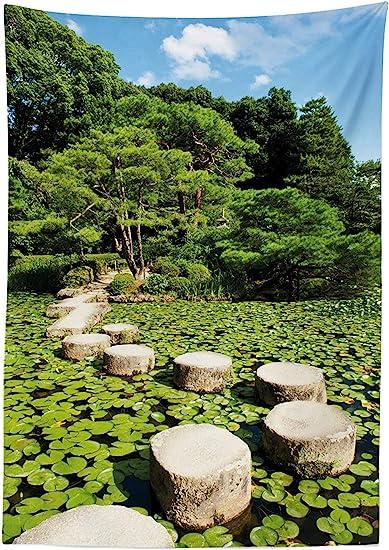 Yeuss Zen Mantel por, Sendero de Piedra en el jardín japonés Lago con Hojas de Loto Meditación Naturaleza Paisaje, Comedor Cocina Cubierta de Mesa Rectangular, Verde Lima Azul Cielo, 52 x 70