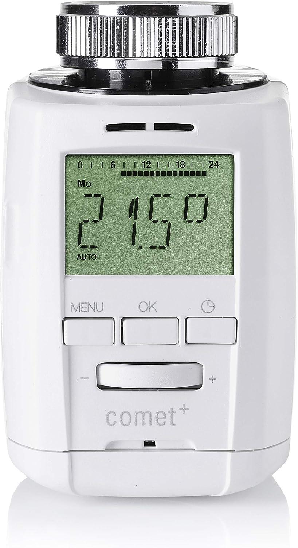 Eine Person, die benutzt Thermostat intelligent